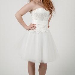 Suknelė su tiuliniu sijonu