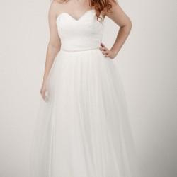 Pūsta, vestuvinė suknelė